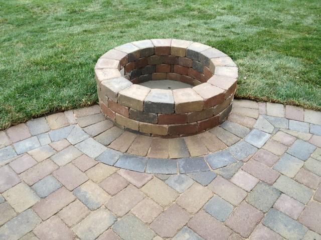 Rochester hills mi pvc deck brick paver patio for Brick fire pit construction