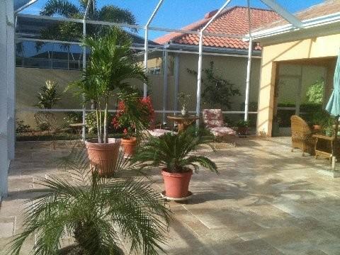 Roman Blend Travertine Tiles mediterranean-patio