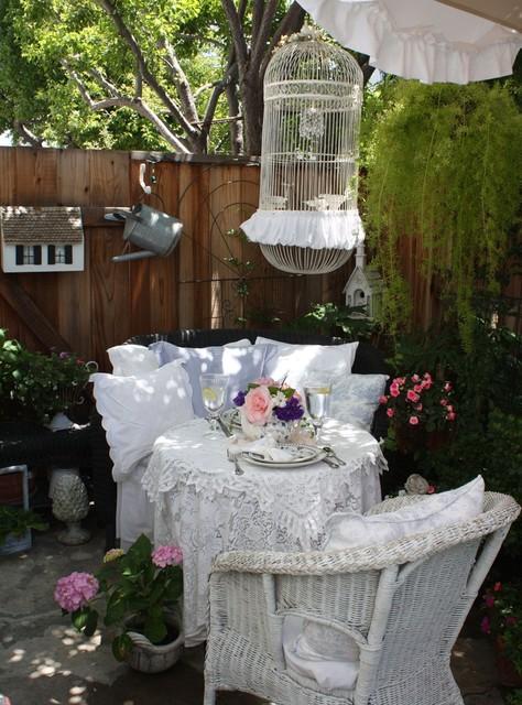 Romantic Cottage Garden eclectic-patio