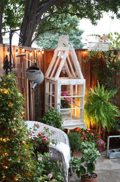 romantic home traditional-patio