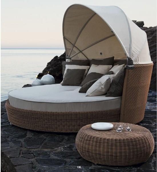Romantic Outdoor Wicker Daybed Contemporary Patio