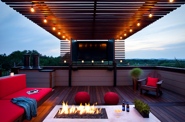 Rooftop Outdoor Living With A Tv And Fire Modern Patio