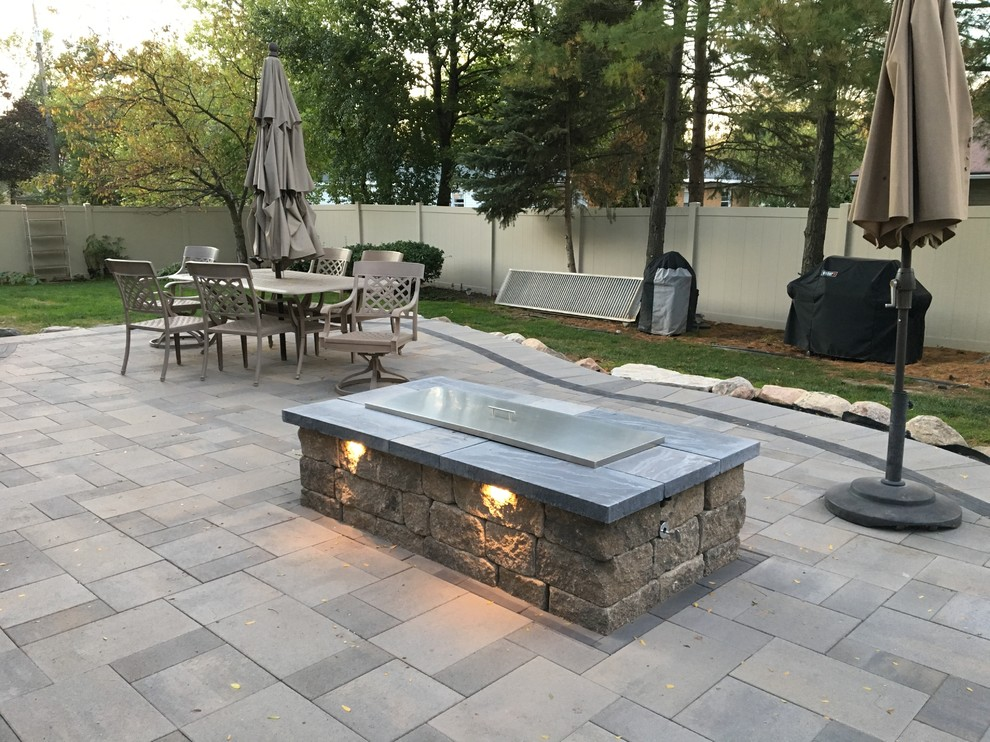 Rose Outdoor Living E Raised Paver Deck With Natural Gas Fire