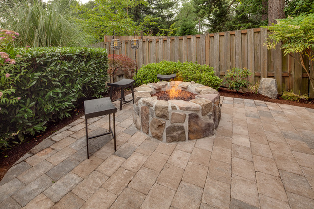 Ross traditional patio portland by paradise for Paradise restored landscaping exterior design
