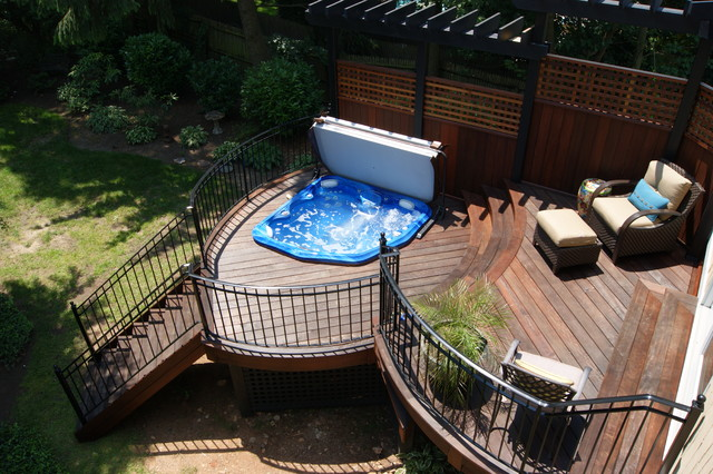Round Ipe With Sunken Hot Tub Off Master Bedroom Traditional Patio New York By Deck