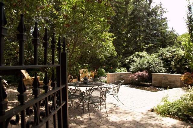 Roxborough (IV) traditional-patio