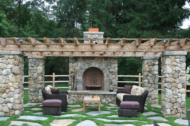 Rustic Country Living Traditional Patio