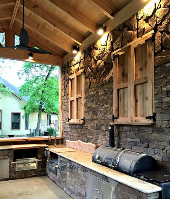 Rustic outdoor kitchen for Rustic outdoor kitchen ideas