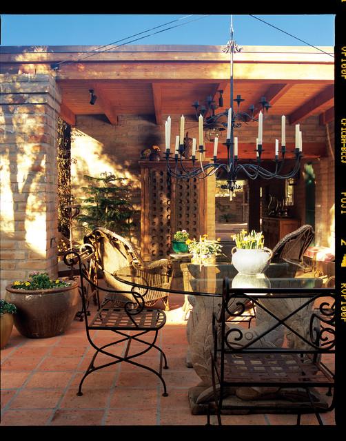 Carson Poetzl, Inc. rustic-patio