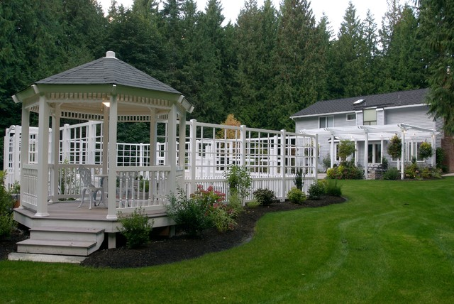 Sammamish Country Home traditional-patio