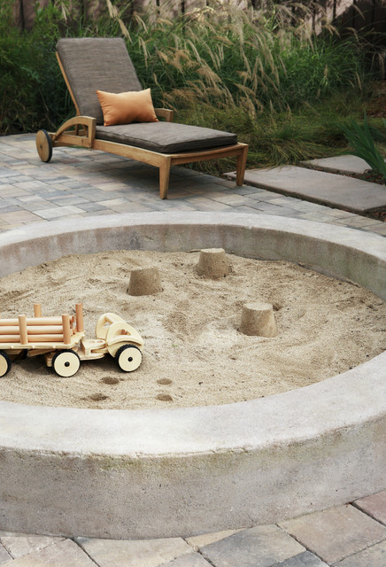 Sand Pit Contemporary Patio