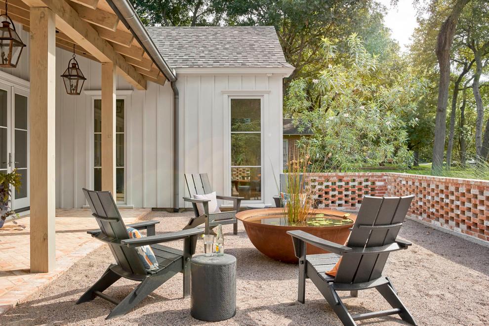 Farmhouse patio fountain photo in Dallas