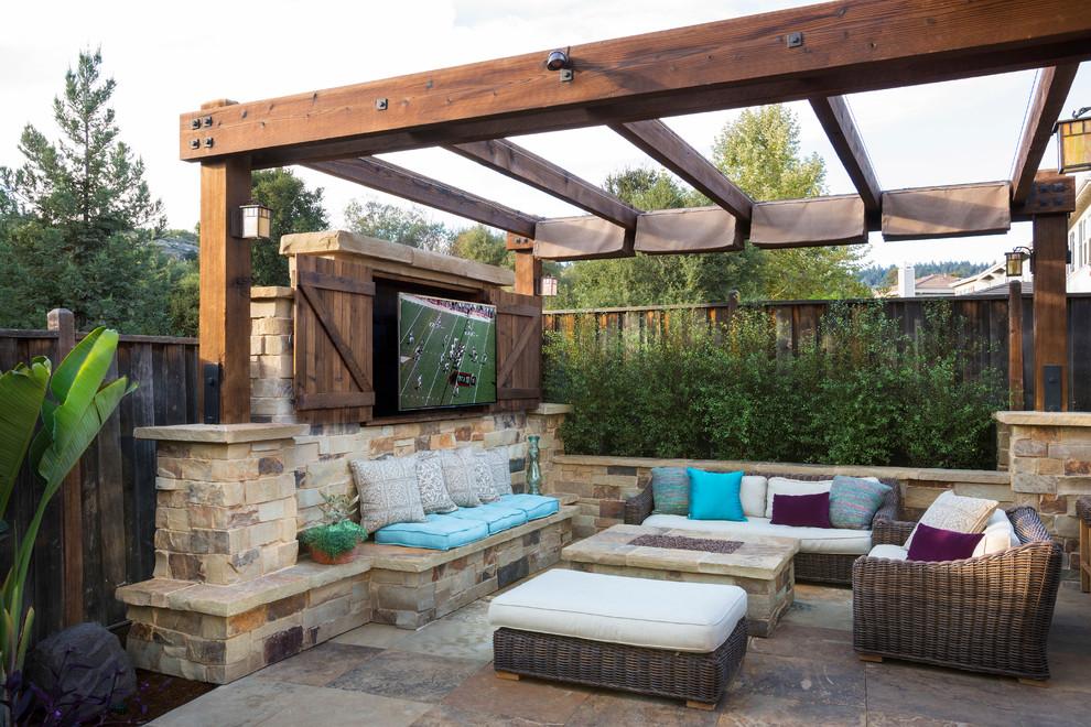 Patio - traditional patio idea in San Francisco