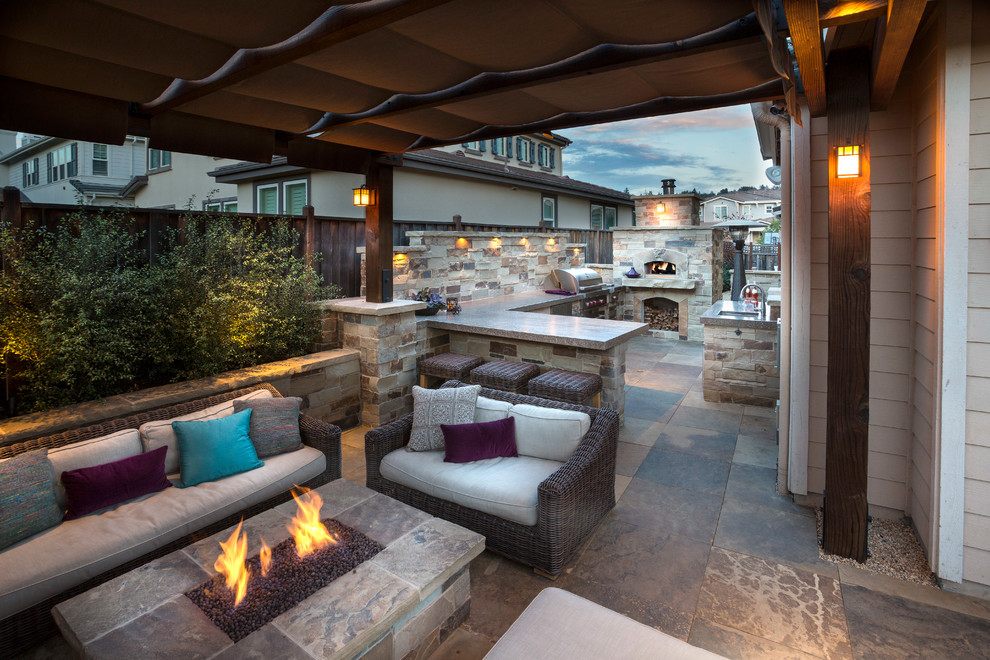 Inspiration for a timeless patio remodel in San Francisco
