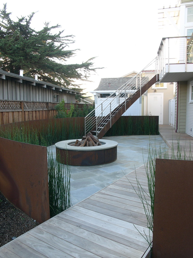 Inspiration for a coastal patio remodel in San Francisco