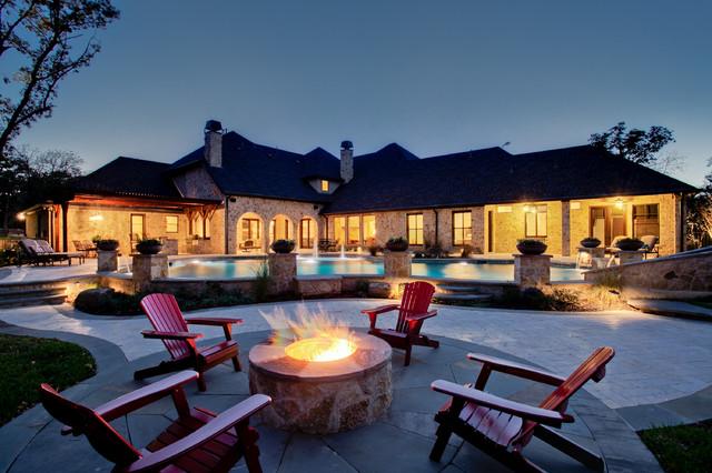 Scenic traditional-patio