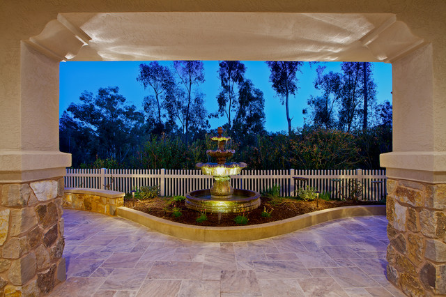 Scripps Outdoor Living traditional-patio