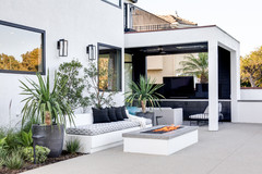 9 Built-In Outdoor Benches for Relaxing