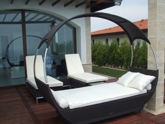 seaside home modern-patio