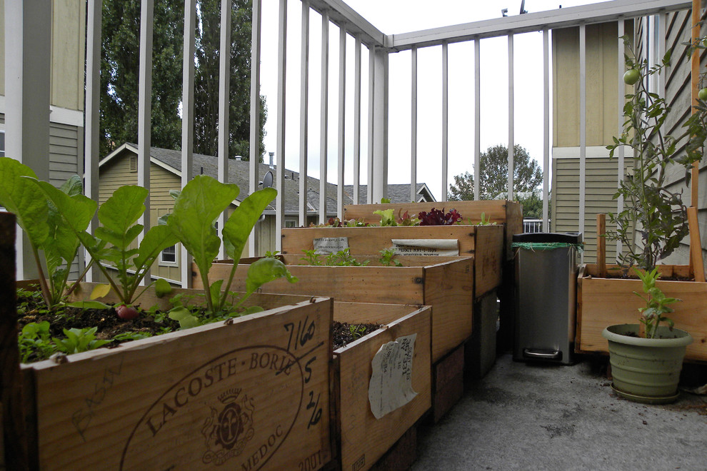 Example of an eclectic patio design in Seattle