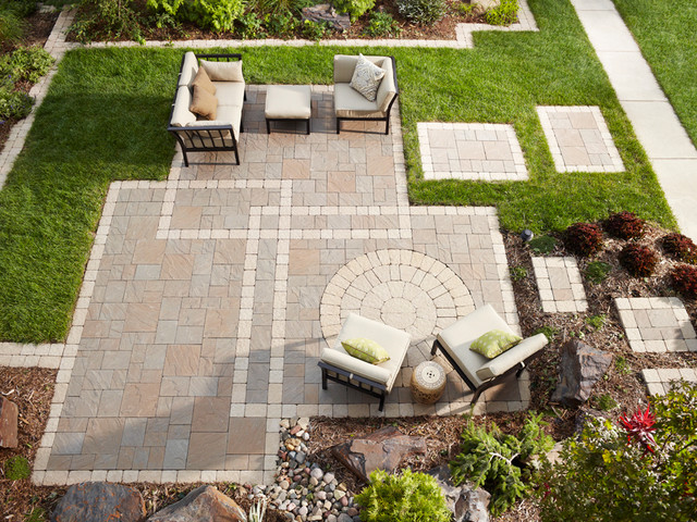 Seeing A Pattern: Paver Patio, Edging And Stepping Stones Transitional Patio
