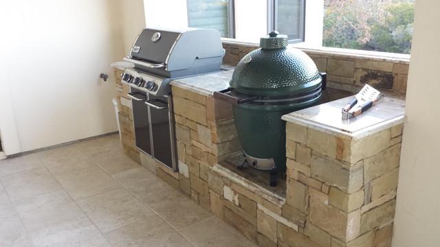 Seven Oaks Luxury Outdoor Kitchen - Craftsman - Patio ...