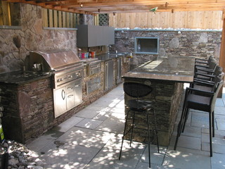 Severna Park Built in Barbecue with Pergola
