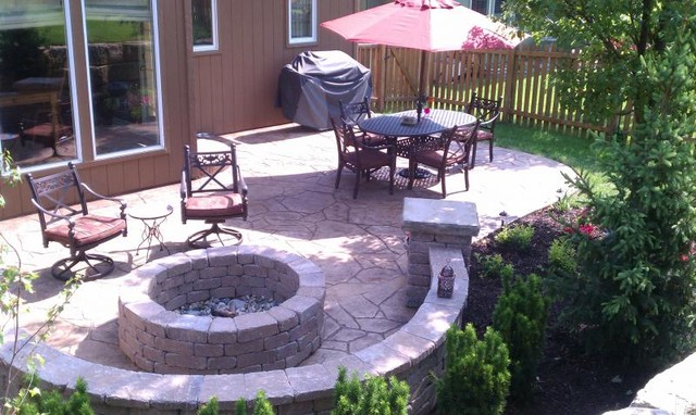Shawnee Project traditional-patio