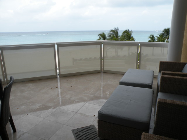 Shoji panels as balcony privacy screens - Covering balcony for privacy ...