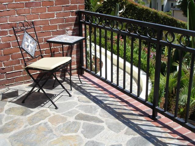 Silver Lake traditional-patio