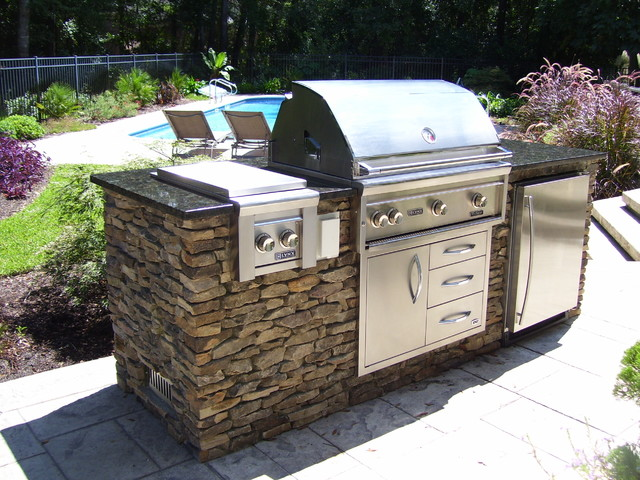 Simple poolside grill island contemporary patio for Outdoor patio built in grills