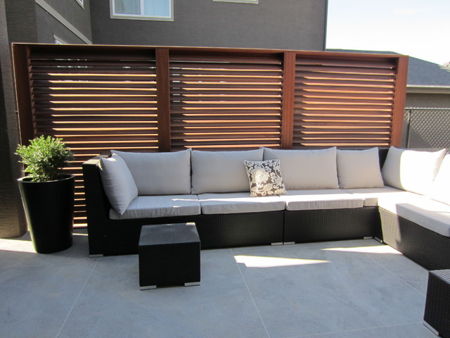 Slatted privacy screen panels traditional patio for Deck privacy screen panels