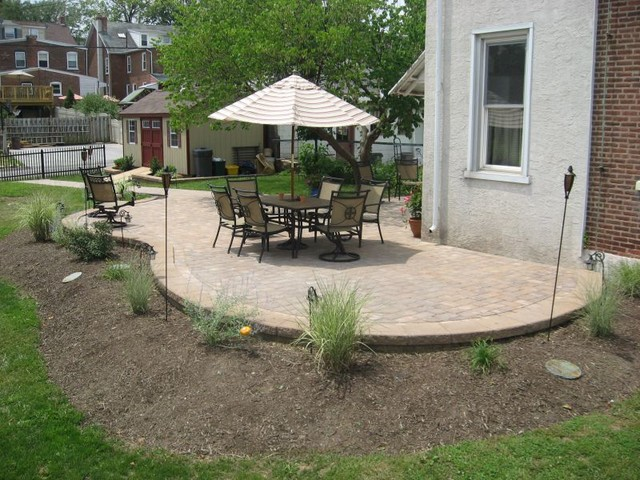 Slightly Raised EP Henry Curved Patio Traditional Patio - Ep henry patio