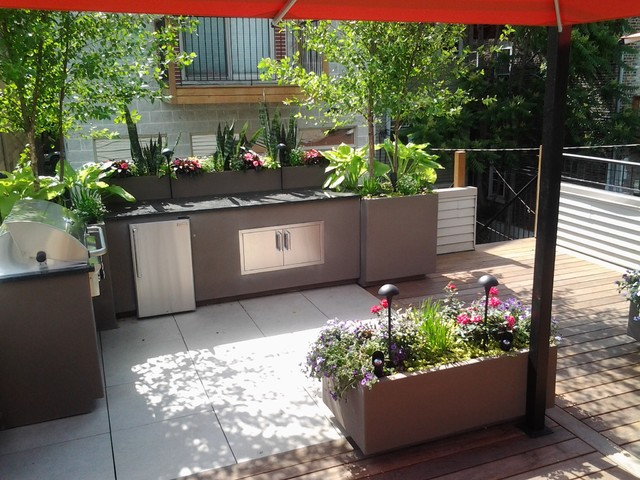Small Chicago Garage Rooftop Contemporary Patio