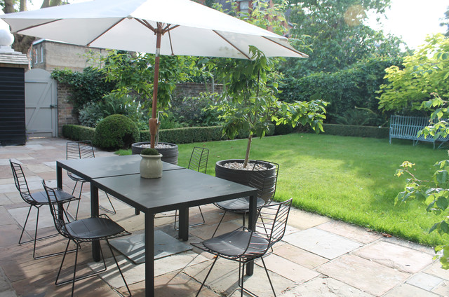 small garden contemporain terrasse et patio london par jane brockbank gardens ltd. Black Bedroom Furniture Sets. Home Design Ideas