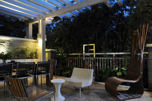 Small Space Living in Serendra modern-patio