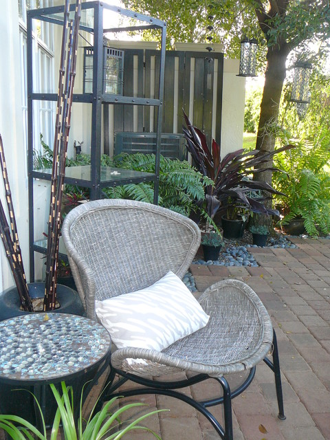 Small space outdoor living fl for Outdoor living spaces florida