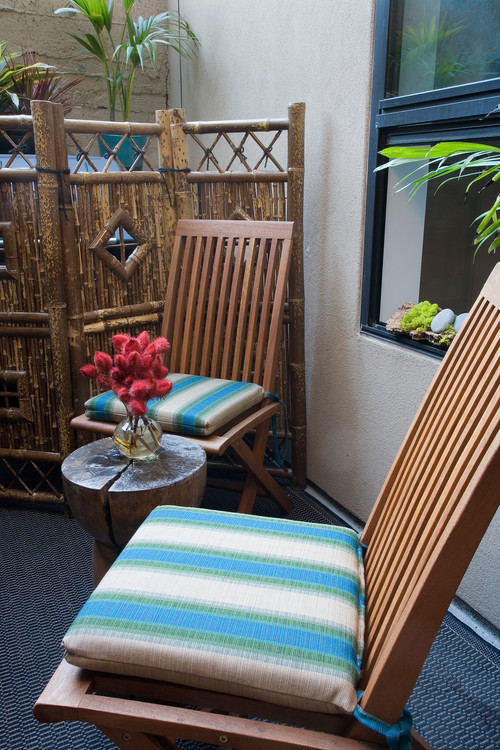 SOMA Loft -- Small outdoor patio by Kimball Starr Interior Design