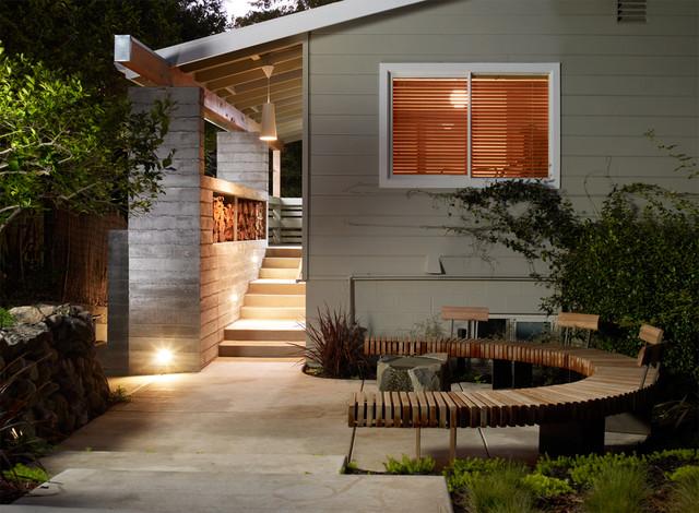 Sonoma Entry midcentury-porch