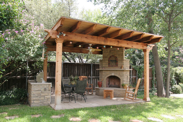 Southwest fence deck outdoor living space traditional for Southwest pergola