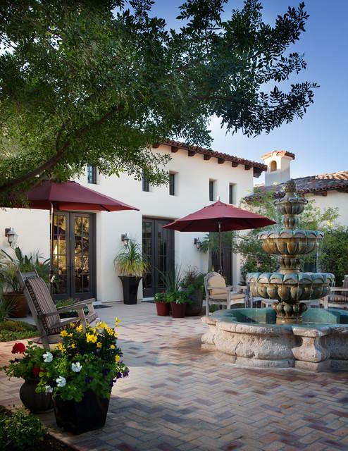Spanish influenced designs mediterranean-patio