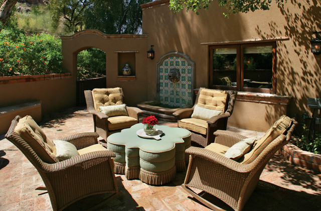 Etonnant Spanish/Mexican Colonial Southwestern Patio