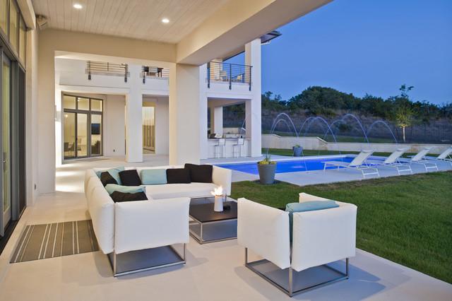 Spanish Oaks Residence Exterior contemporary-patio