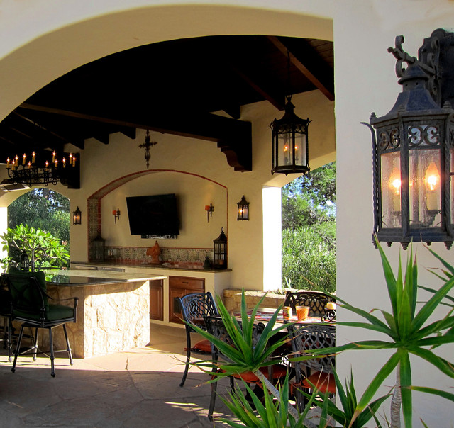 Spanish pool cabana with outdoor kitchen in santa barbara for Spanish style outdoor kitchen