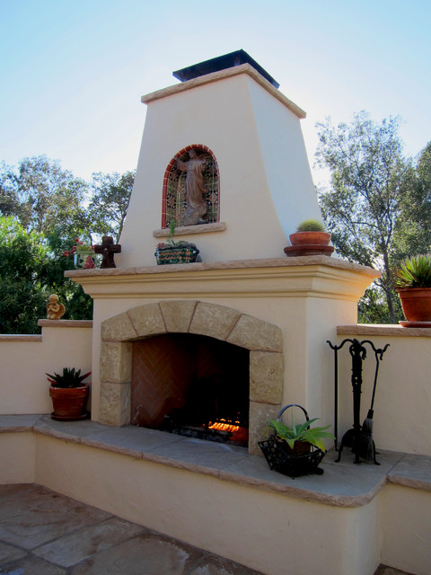 Spanish style outdoor fireplace in santa barbara for Spanish outdoor fireplace