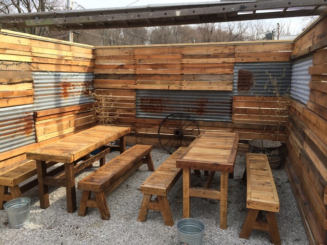 Spot Tavern Reclaimed Wood Fence And Tables Rustic Patio