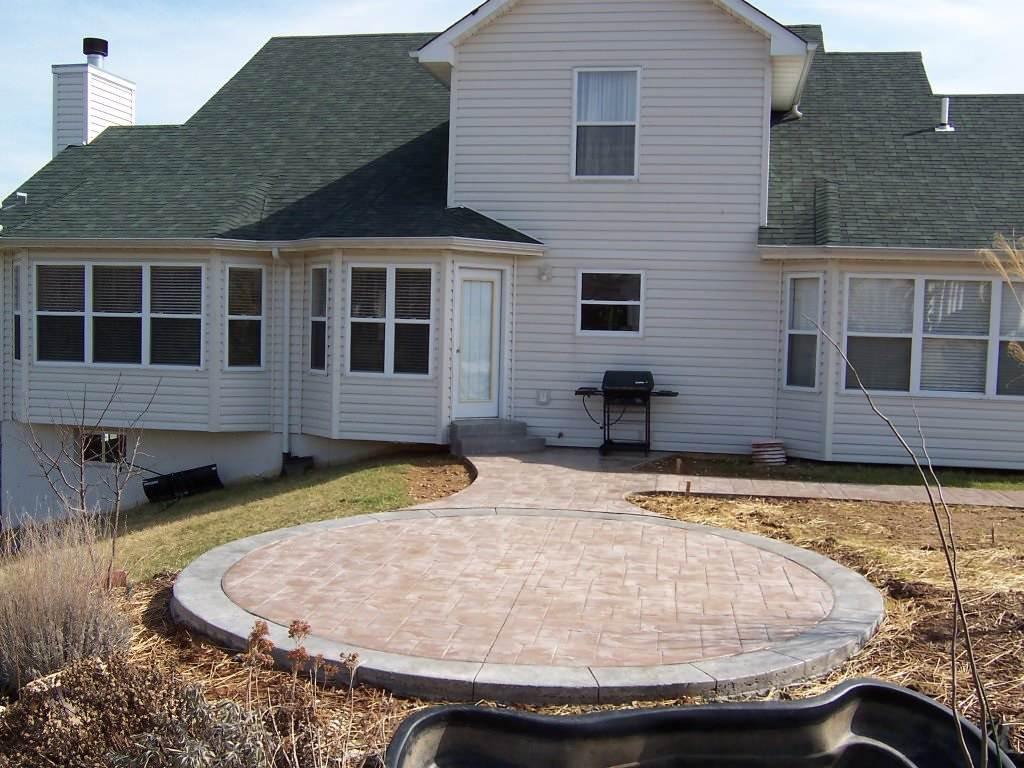 St. Charles, Missouri multi-pattern stamped concrete patio