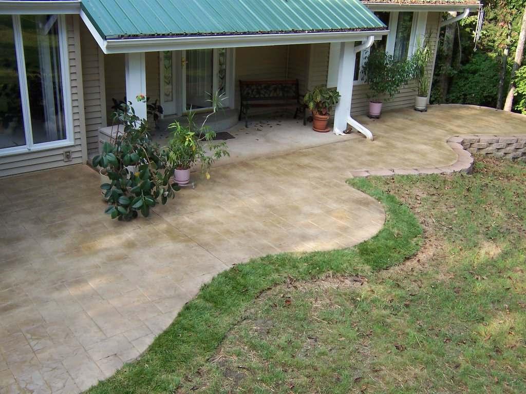 St. Louis, Missouri free form stamped concrete patio