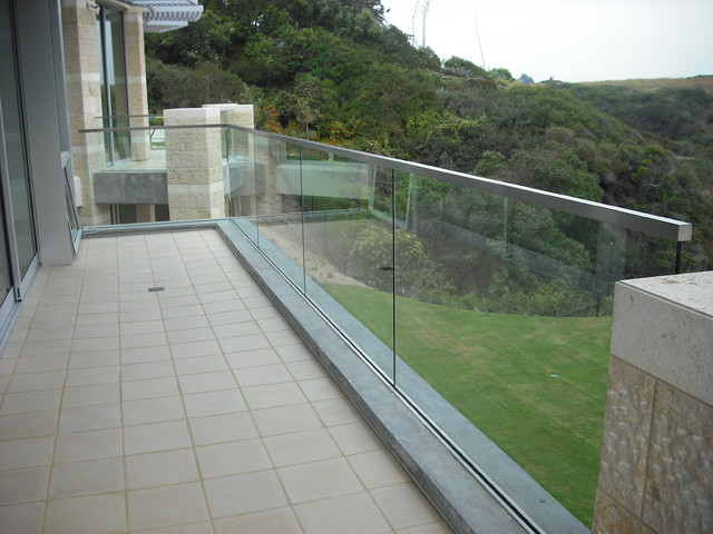 Stainless and glass exterior contemporary patio san for Exterior glass railing