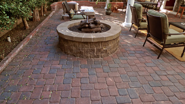 Stallings traditional-patio